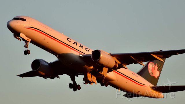 Boeing 757-200 (C-FKAJ)