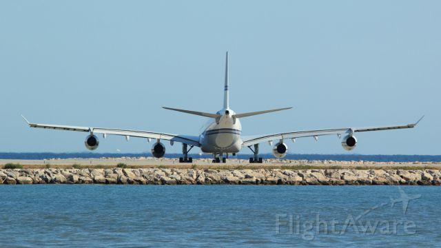 SHU124 — - HZ-124  A340 SAUDIA 003 SAUDIA GOVERNEMENT