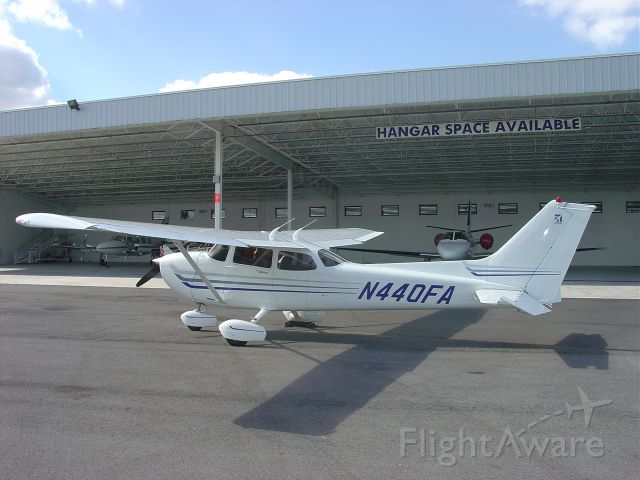 Cessna Skyhawk (N440FA) - On the ramp at St. Augustine, Florida (2003).