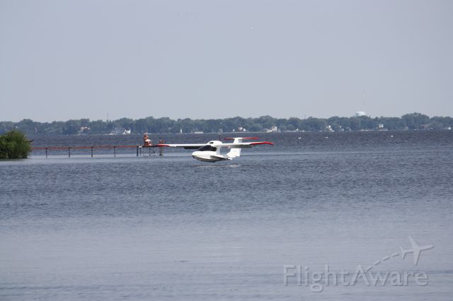 ICON A5 — - ICON performing an approach to land at the Oshkosh Amphibian display.