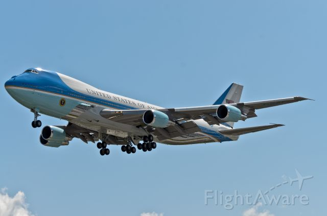 Boeing 747-200 (N28000) - Obama arriving at Boeing Field in Seattle May 10th 2012
