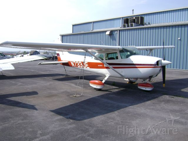 Cessna Skyhawk (N733JE) - 1977 172N Parked at Royal Aircraft and Hagerstown Aviation Academy @ KHGR