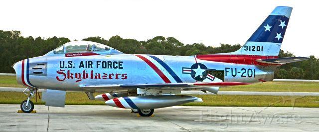 North American F-86 Sabre (NX86FR)