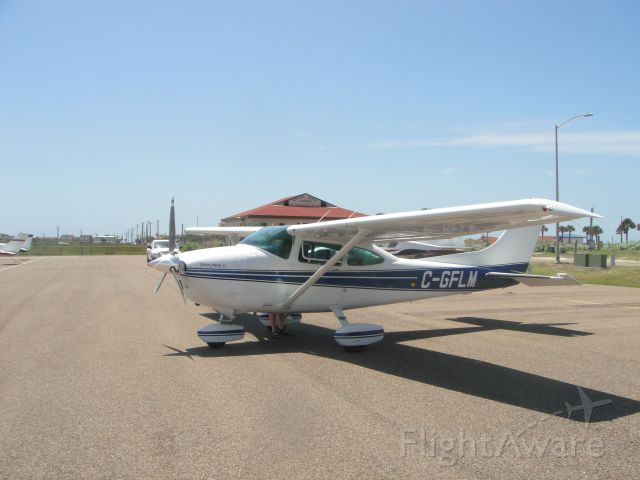 Cessna Skylane (C-GFLM)