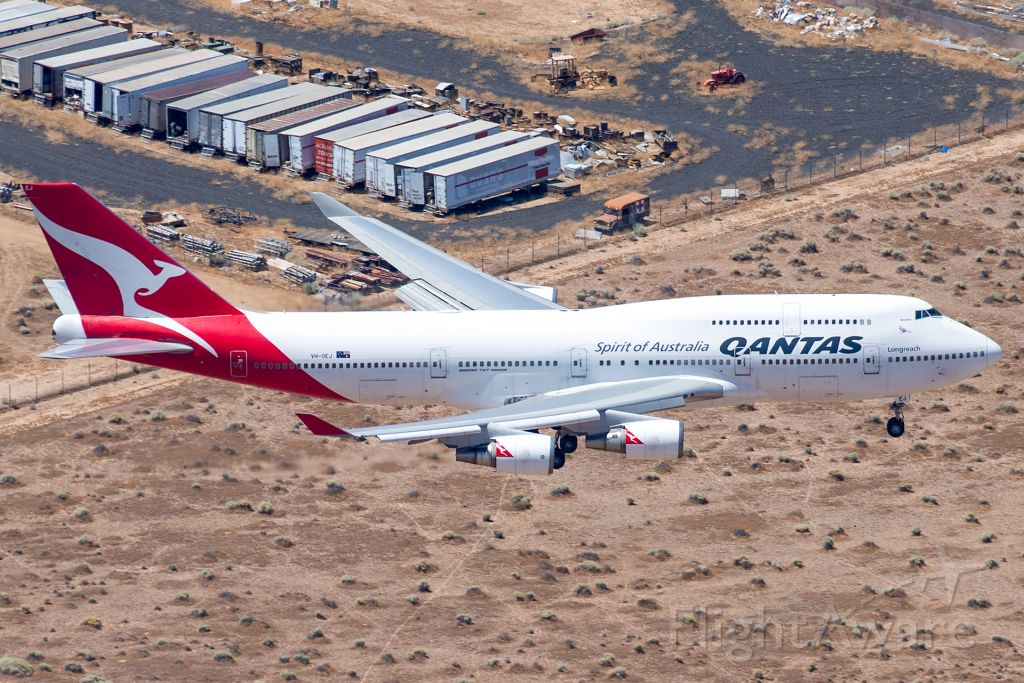 Boeing 747-400 (VH-OEJ) - One more time for Wunala...