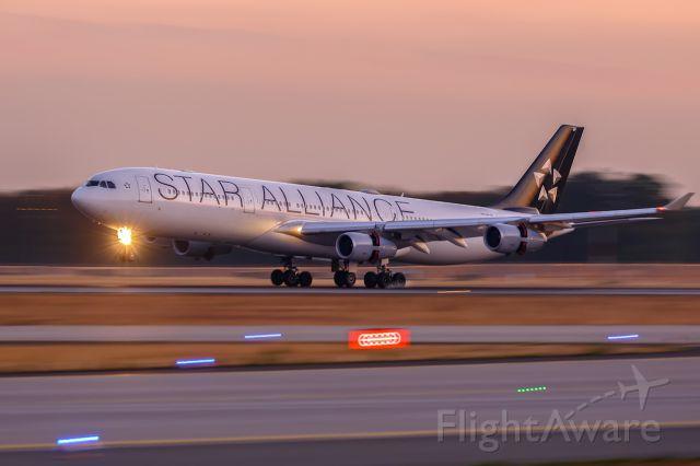 Airbus A340-300 (D-AIGP)