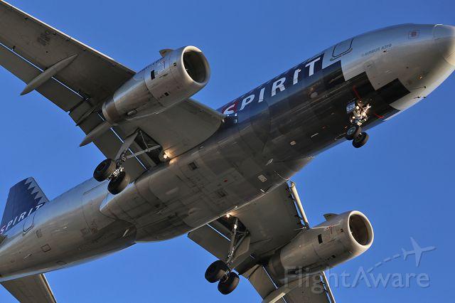 Airbus A319 (N528NK) - Landing at LAX.