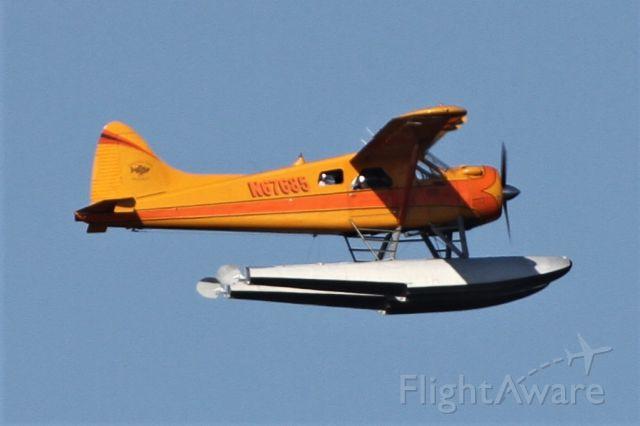 De Havilland Canada DHC-2 Mk1 Beaver (N67685) - Taking off from Lake Washington