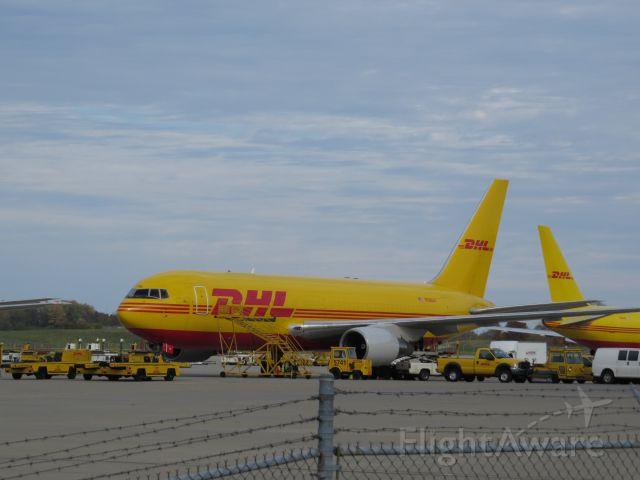 BOEING 767-200 (N788AX)