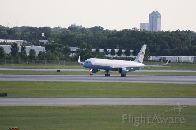 Boeing 757-200 (N90003) - VP Mike Pence Taking Off John Glenn International (KCMH).