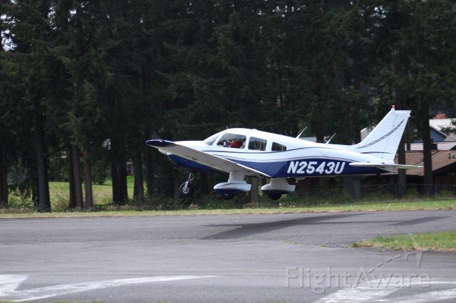 Piper Cherokee (N2543U) - Taking off at Crest Air Park, Covington, WA