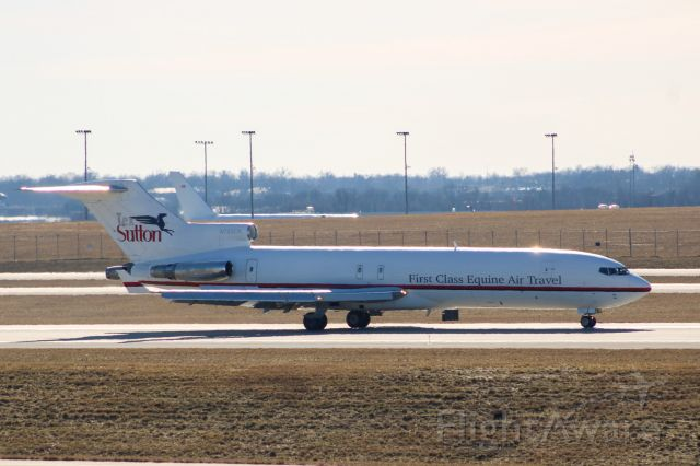 BOEING 727-200 (N725CK) - Kalitta 727-200 slowing down on RWY 36R at CVG this aircraft is here to pickup horses