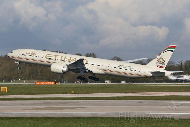 BOEING 777-300ER (A6-ETJ) - ETD16 departing for Abu Dhabi.