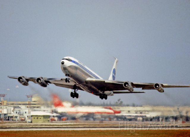 Boeing 707-300 —