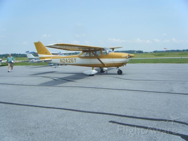 Cessna Skyhawk (N2426Y)