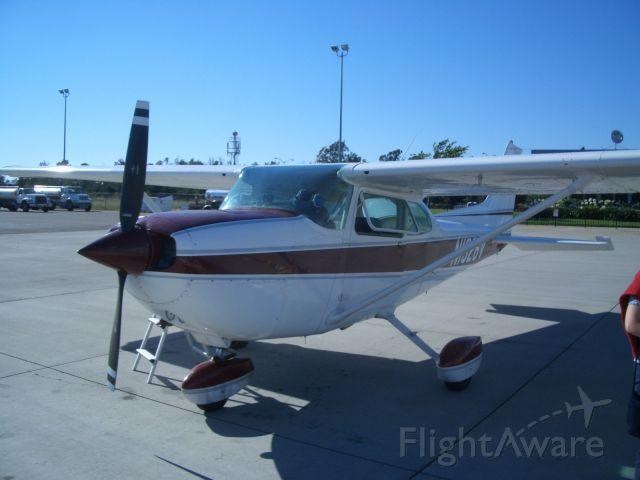 Cessna Skyhawk (N1326V) - Cessna Hawk XP
