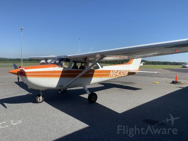 Cessna Skyhawk (N64328)