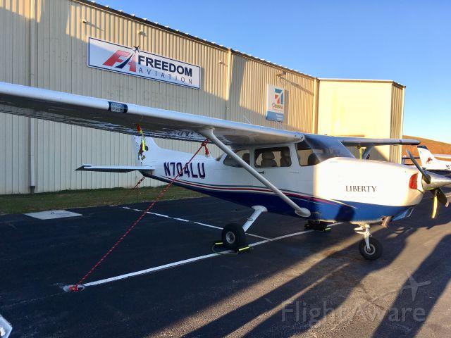 Cessna Skyhawk (N704LU) - N704LU