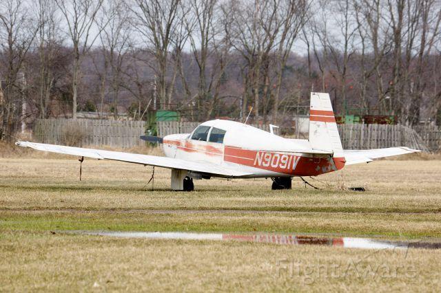 Mooney M-20 (N9091V)