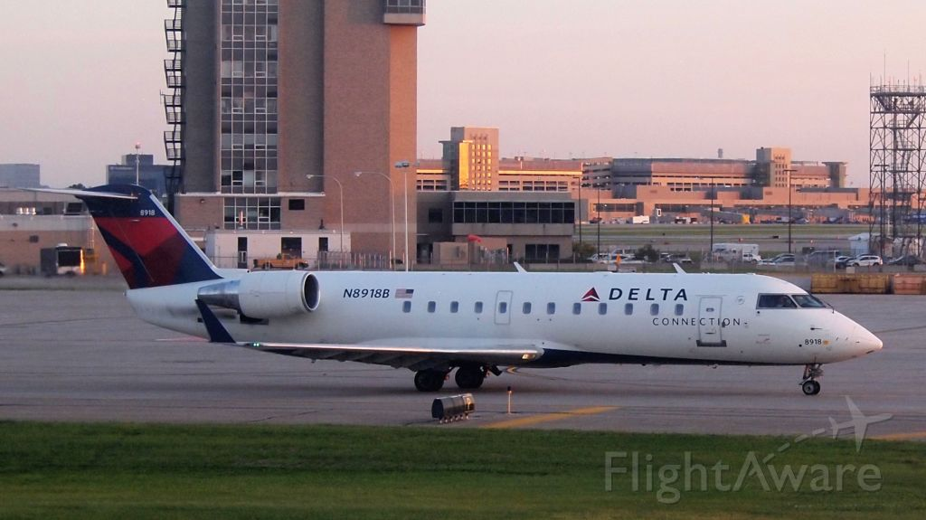 Canadair Regional Jet CRJ-200 (N8918B)