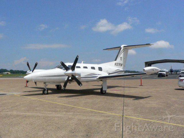 Piper Cheyenne 400 (N37KW) - Visiting KTYS