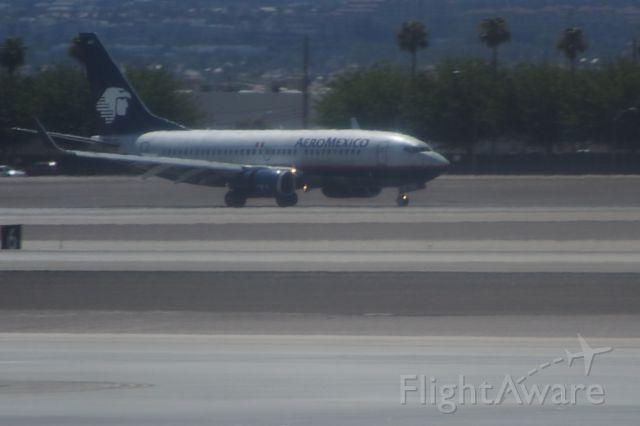 Boeing 737-700 (N997AM)