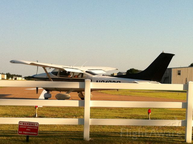 Cessna Skylane (N182X) - 74 182P, IO550