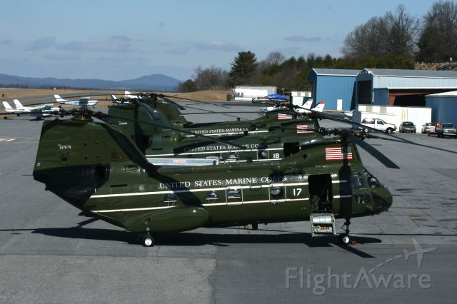 — — - CH-46 Sea Knight used as Vip transport, was at the Hickory Airport on 3-4-2007 at 12:39.