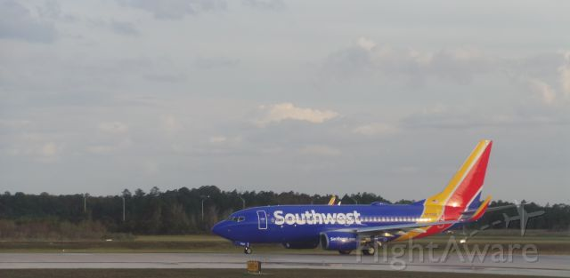 Boeing 737-700 (N7708E) - Southwest 4409 enroute from MCO to BNA with lovely Florida weather