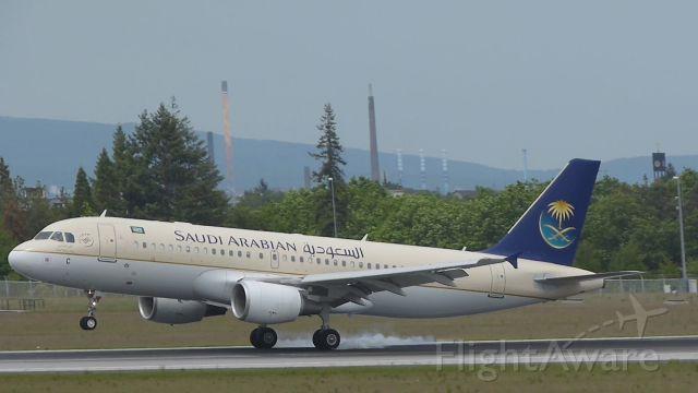 Airbus A320 (HV-ASC) - A Saudi Arabian A320 while landing at FRA.