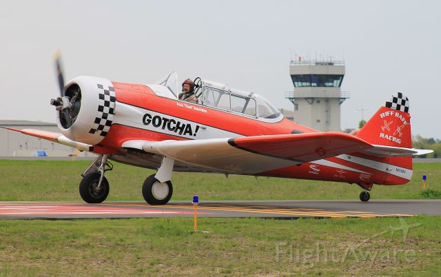 North American T-6 Texan (N5199V) - Taxiing to the ramp during the D-Day Squadron Kickoff Week, 17 May 2019.