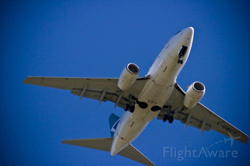 BOEING 737-600 (C-GWCT)