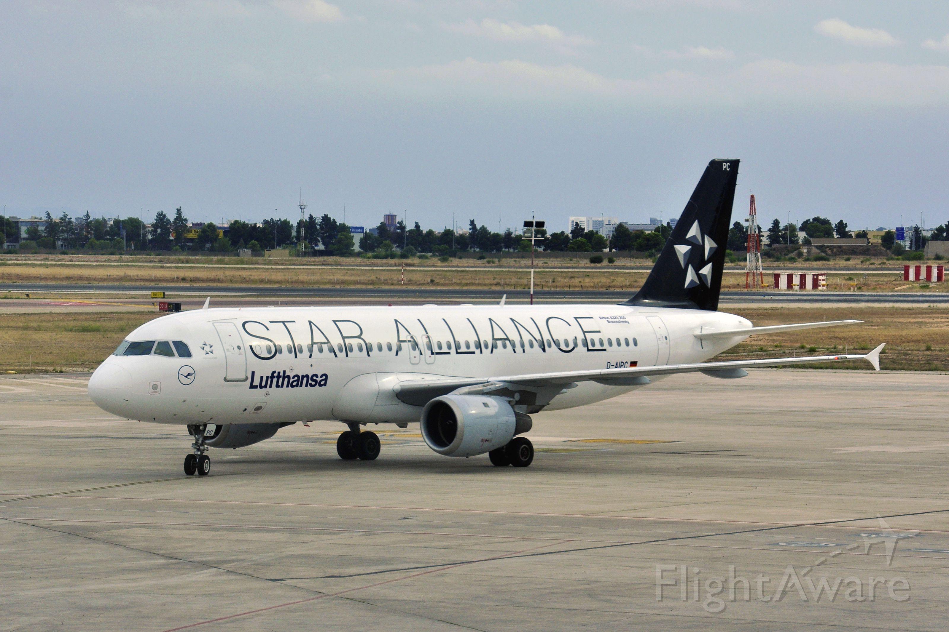 Airbus A320 (D-AIPC) - Lufthansa Airbus A320-211 D-AIPC in Valencia
