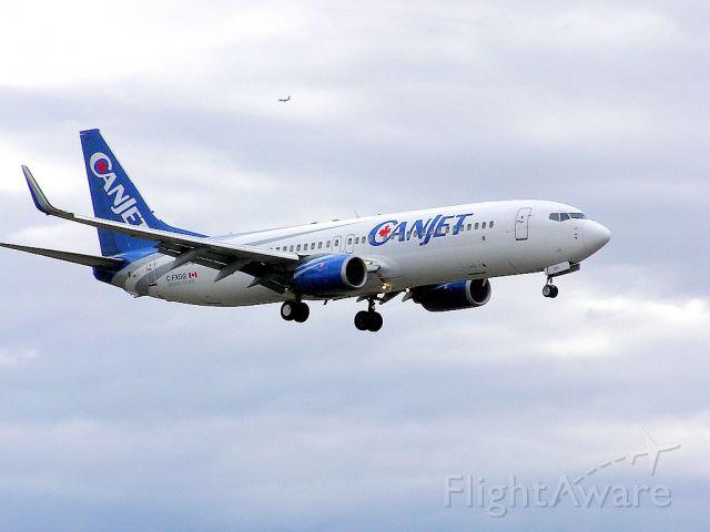 Boeing 737-800 (C-FXGG) - Landing 06L - April 27, 2014