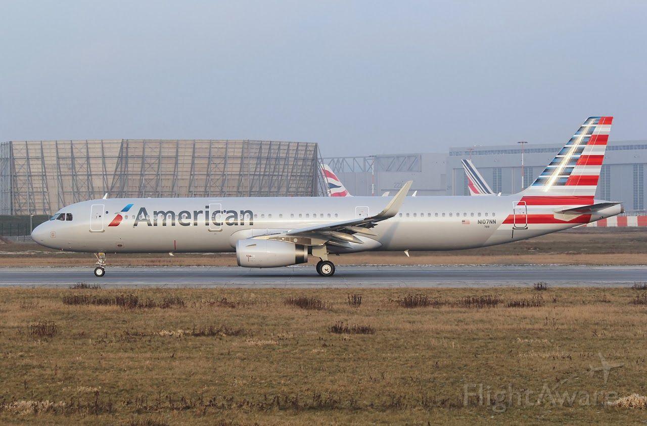 Airbus A321 (N107NN)