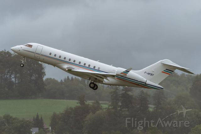Bombardier Global Express (F-HFBY) - TO in pouring rain