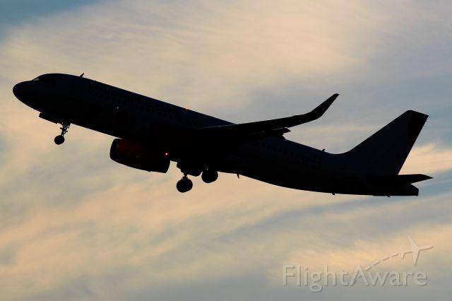 Airbus A320 (XA-VAE)