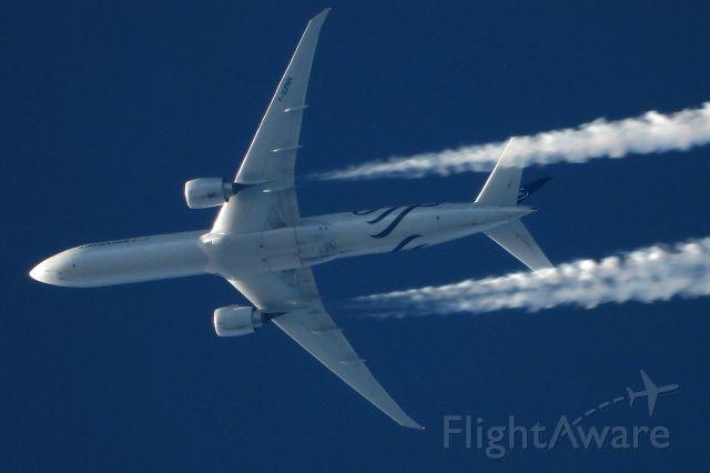 BOEING 777-300ER (F-GZNN)