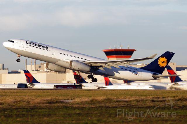 Airbus A330-300 (D-AIKR)