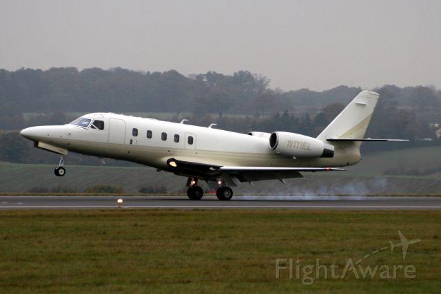 IAI Gulfstream G100 (N111EL) - Arriving on rwy 26  from EHAM on 11-Nov-09.