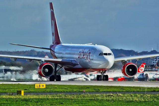 Airbus A330-200 (D-ALPD)