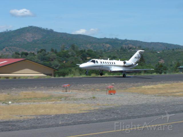 Cessna Citation CJ3 (N62SH) - Landing at Pine Mountain Lake airport in California.