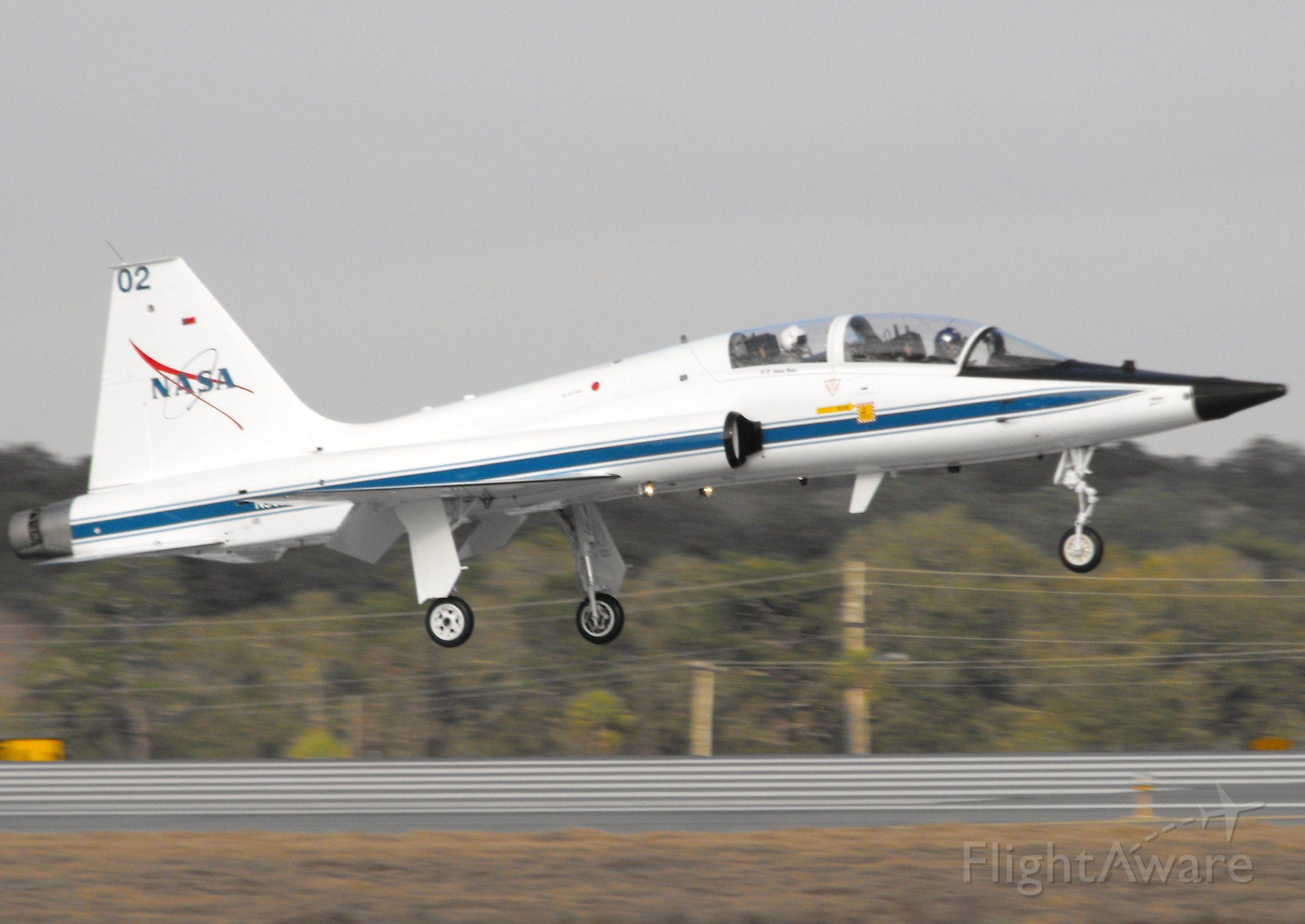 Northrop T-38 Talon (NASA902) - NASA902 landing RWY 18 in Tallahassee