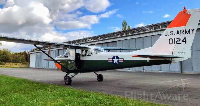 Cessna Skyhawk (N72401)