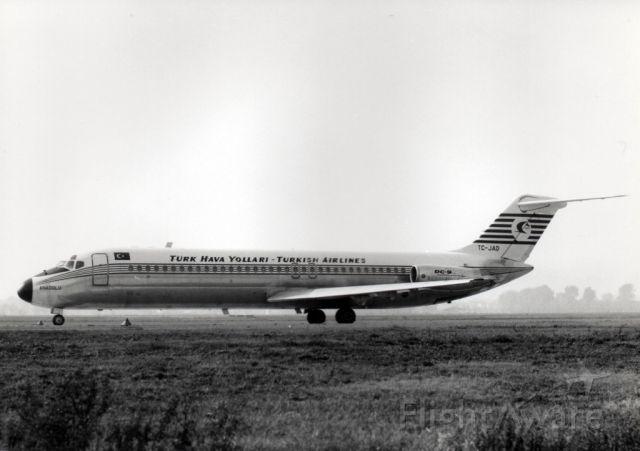 McDonnell Douglas DC-9-30 (TC-JAD)