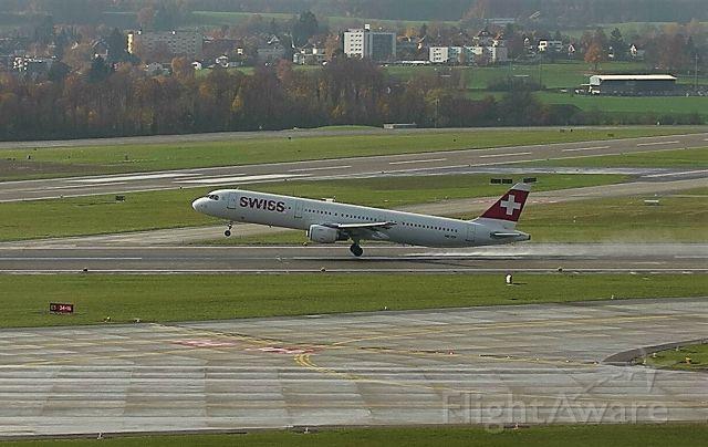 Airbus A321 (HB-IOH)