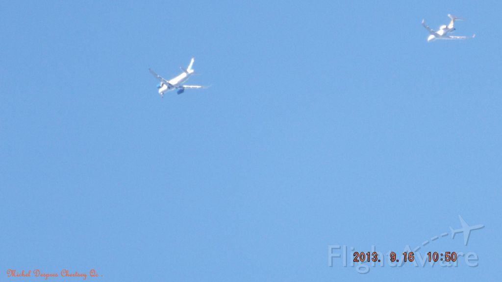 — — - Vol ignogural du CS100 accompagné du Global 5000 le 16/09/2013 10:50<br />Au dessus de Chertsey.Lanaudiere.Qc