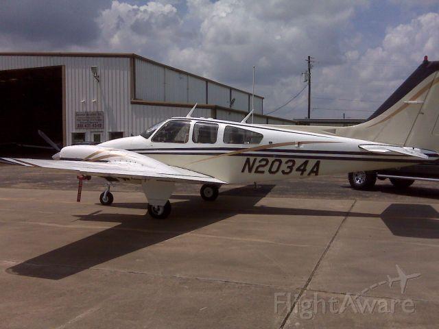 Beechcraft 55 Baron (N2034A)
