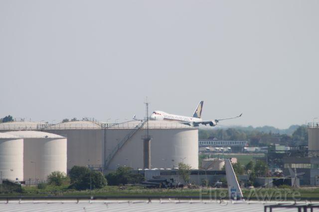 Boeing 747-400 (9V-SFK)