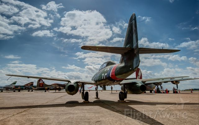 N262AZ — - ME-262 on the ground and up close.